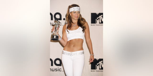 Jennifer Lopez at the MTV Music Video Awards in 2000 (Photo by Ke.Mazur/WireImage via Getty)