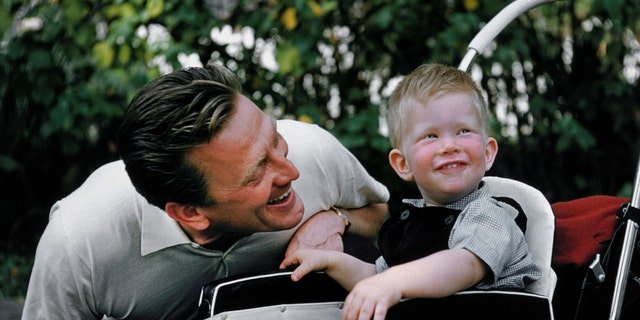 Westlake Legal Group Kirk-peter-douglas Kirk Douglas: A look back at his rich family life Nate Day fox-news/entertainment/tv fox-news/entertainment/movies fox-news/entertainment/events/departed fox-news/entertainment/celebrity-news fox-news/entertainment fox news fnc/entertainment fnc article a047fca3-fa23-55d3-98ea-86def0299c01