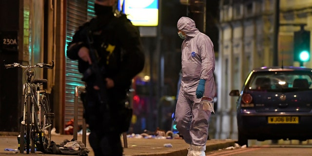 Three Stabbed in London 'Islamist-Related Terrorist Incident', Attacker Shot Dead