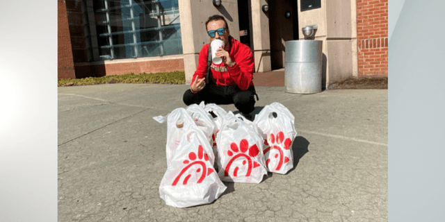 Team captain Putrino, seen here making his team's Chick-fil-A dreams a reality.