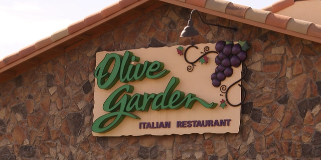 Westlake Legal Group Olive-Garden-iStock The best Valentine's Day restaurant specials this year Gerren Keith Gaynor fox-news/lifestyle/relationships fox-news/food-drink/food/fast-food fox-news/food-drink/food fox news fnc/food-drink fnc b5a2c430-4481-5d09-a22d-219fab97b7c5 article /FOX NEWS/LIFESTYLE/OCCASIONS/Holiday