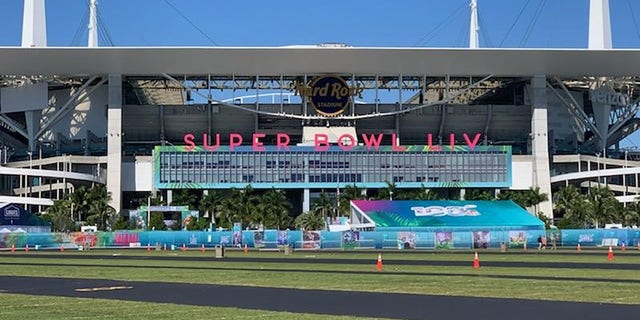The Hard Rock Stadium in Miami Gardens will be teeming with 65,000 fans when the game kicks off at 6:30 E.T.