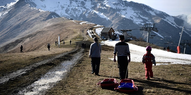 The French department of Haute-Garonne decided to pour snow by helicopter on the Luchon-Superbagnères station in order to make up for the lack of snow on Feb. 14 and Feb. 15, 2020.