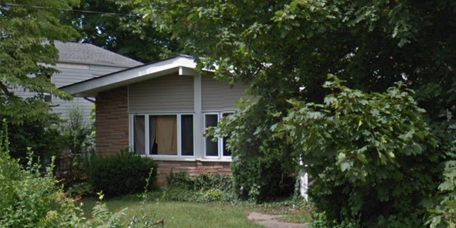 Wilmer Maldonado Rodriguez was found dead Sunday behind this home in New Cassel, N.Y., police say. (Google Maps)