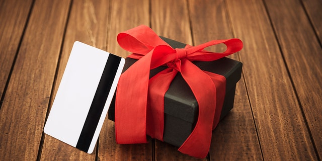 Westlake Legal Group bc387747-V-Day-Gift How did Valentine's Day become a huge commercial boom? Gerren Keith Gaynor fox-news/lifestyle/relationships fox news fnc/lifestyle fnc b20c777f-f80a-5615-9895-863e05afd6e2 article /FOX NEWS/LIFESTYLE/OCCASIONS/Holiday