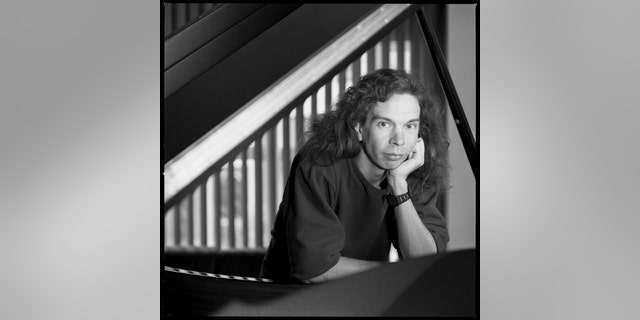 Lyle Mays, jazz pianist at the Yamaha piano showroom, West 57th St., New York City. Sept. 30, 1988.