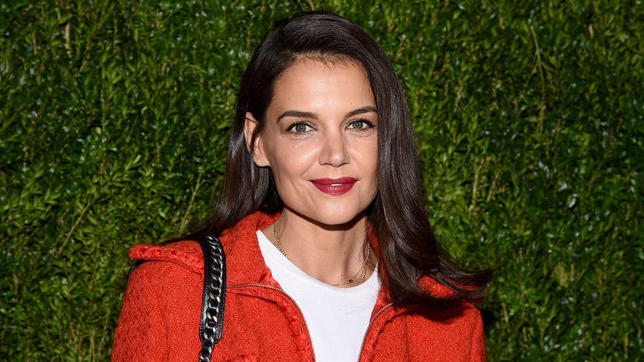 Katie Holmes spotted kissing chef Emilio Vitolo Jr. in steamy new pics
