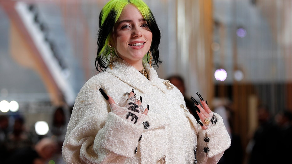 Billie Eilish Claps Back At Body Shamers Gets Support From Fans After Rare Outing In Form Fitting Clothes Fox News