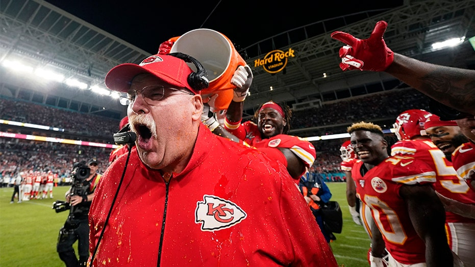 Andy Reid look-alike makes appearance at Royals game, stuns fans