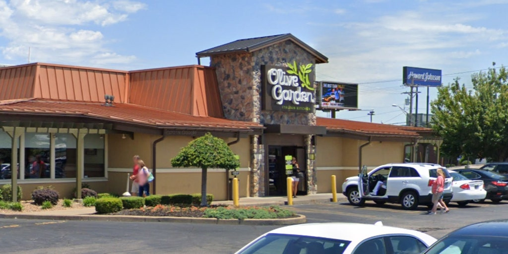 Olive Garden fires Indiana restaurant manager who allegedly provided customer with a 'server that wasn't black'