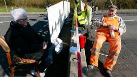 Coronavirus doesn't stop octogenarian couple from meeting at Danish-German border amid lockdown