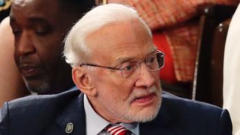 Buzz Aldrin reacts to NASA's Perseverance rover landing on Mars