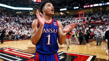 Kansas remains unanimous No. 1 in Top 25; FSU up to No. 4