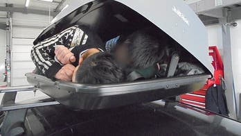 Man who tried to smuggle 3 people inside car roof box into UK jailed