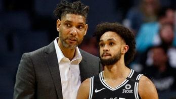Spurs get Tim Duncan first win as acting head coach