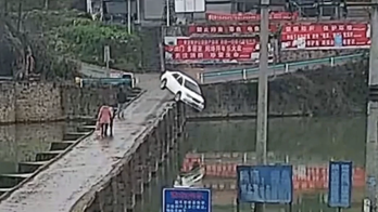 Driver crashes into river 10 minutes after getting his license