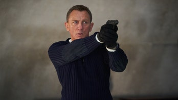 Daniel Craig gives advice to next James Bond