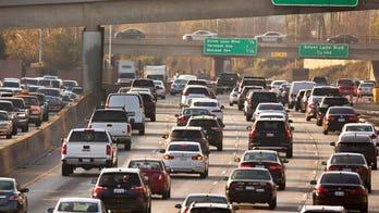 Trump administration eases Obama-era regs on vehicle fuel economy