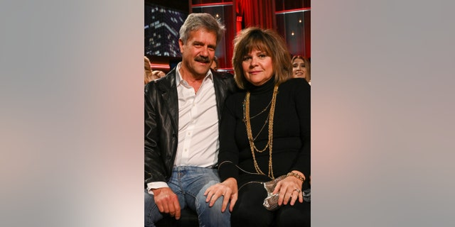 Peter's father, Peter Sr, and his mother, Barbara, on the live finale show.