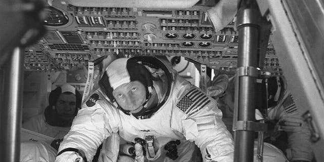Apollo 15 astronaut Worden, who circled moon, dies