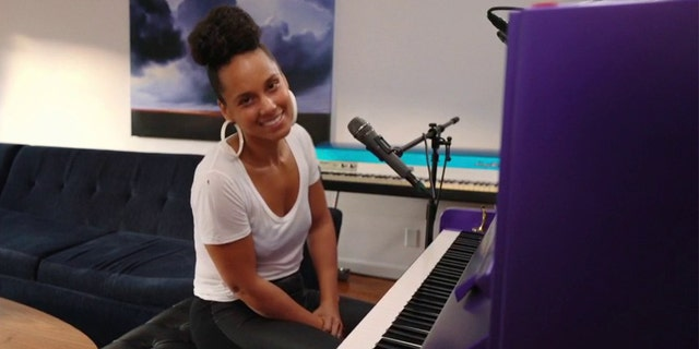 Alicia Keys dedicated her song to first responders and medical professionals keeping the nation safe.