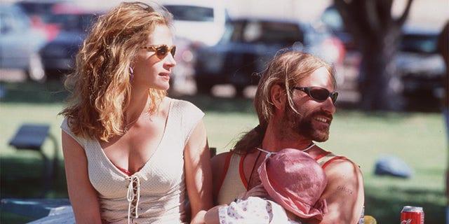 Julia Roberts and Aaron Eckhart in 'Erin Brockovich.'