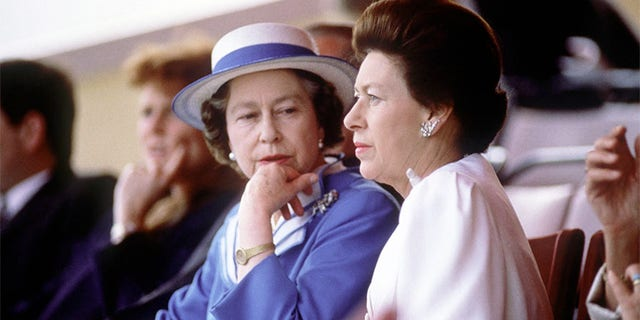 The Queen (left) and Princess Margaret.