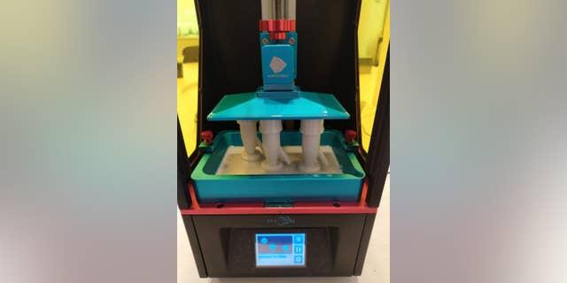 Venturi valves being made in Isinnova's 3D printer.