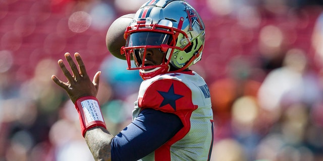 Houston Roughnecks quarterback P.J. Walker prepares to pass during an XFL game between the Houston Roughnecks and the Tampa Bay Vipers at Raymond James Stadium. (Mary Holt-USA TODAY Sports)