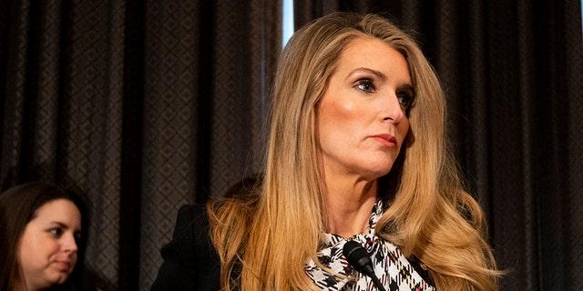 After Coronavirus Briefings, Sens. Richard Burr, Kelly Loeffler Dumped Stocks