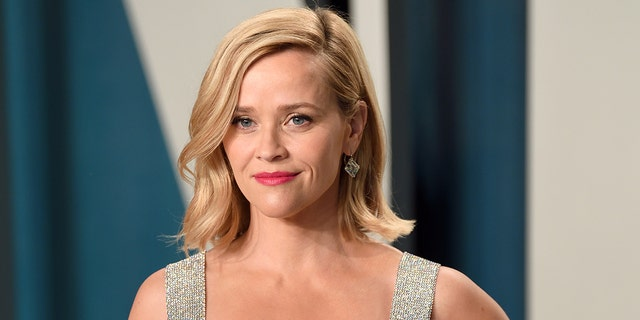 Reese Witherspoon attends the 2020 Vanity Fair Oscar Party hosted by Radhika Jones at Wallis Annenberg Center for the Performing Arts on February 09, 2020 in Beverly Hills, Calif.