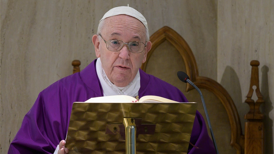 Coronavirus in Italy: Millions quarantined, pope cancels Vatican address