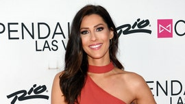 'Bachelor' alum Caroline Lunny says she has coronavirus after being criticized for wearing a mask