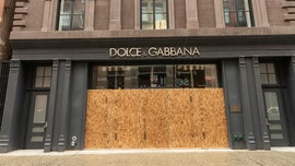 Businesses board up in NYC after shutting down due to coronavirus