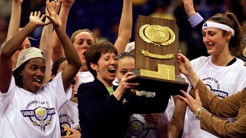 Notre Dame's Muffet McGraw retires; won 2 national titles