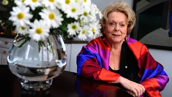 Canadian actress Shirley Douglas, mother to Kiefer Sutherland, dead at 86