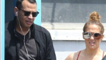 Jennifer Lopez, Alex Rodriguez appear to receive VIP treatment at Florida gym ahead of stay-at-home order