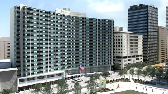 Texas hotel offers free lodging to hospital workers on coronavirus frontlines