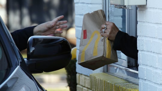McDonald's launches coronavirus checks for employees, plans to take workers' temperatures