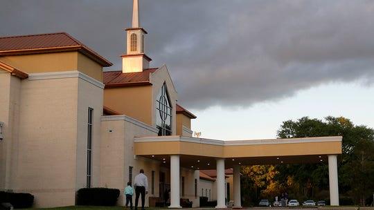 Some pastors defiant as churches celebrate Palm Sunday during coronavirus outbreak