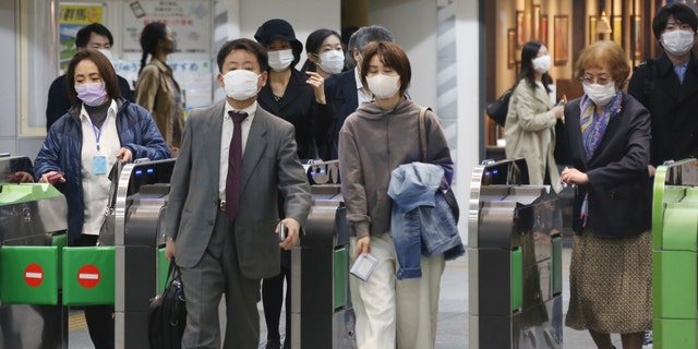 Virus cases surge past 10000 in Japan