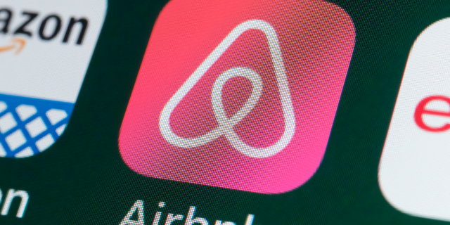 Airbnb guests under the age of 25 will no longer be allowed to book entire houses in their local area unless they meet certain requirements.