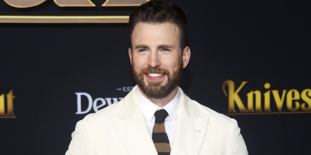 Chris Evans arrives at the premiere of Lionsgate's 'Knives Out' at the Regency Village Theatre on November 14, 2019 in Westwood, Kalifornië. (Photo by Amanda Edwards/WireImage,)