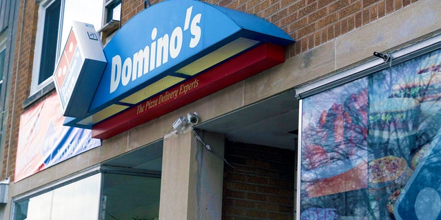 Westlake Legal Group Dominos-Employee-Minneapolis-Police-3 Minneapolis Domino's employee gives big assist to police by feeding kids for free Michael Ruiz fox-news/us/minneapolis-st-paul fox-news/us/crime/police-and-law-enforcement fox news fnc/lifestyle fnc c1b39220-006f-50db-9cfd-2b7a8c411ba2 article