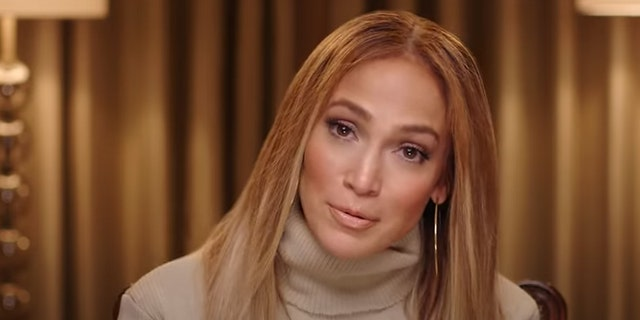 Jennifer Lopez's home targeted with 'fake' 911 calls to police.jpg