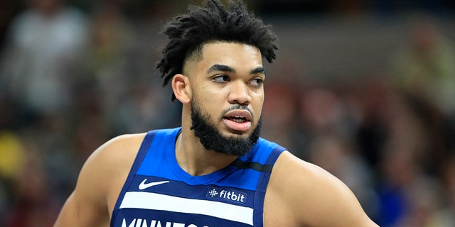 Karl Anthony-Towns of the Minnesota Timberwolves against the Indiana Pacers at Bankers Life Fieldhouse on Jan. 17, 2020, in Indianapolis, Ind. (Photo by Andy Lyons/Getty Images)