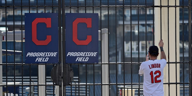 Cleveland Indians to consider changing franchise's name