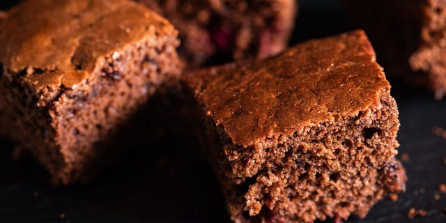 """Many modern recipes for """"depression cakes"""" utilize cocoa powder for flavoring."""