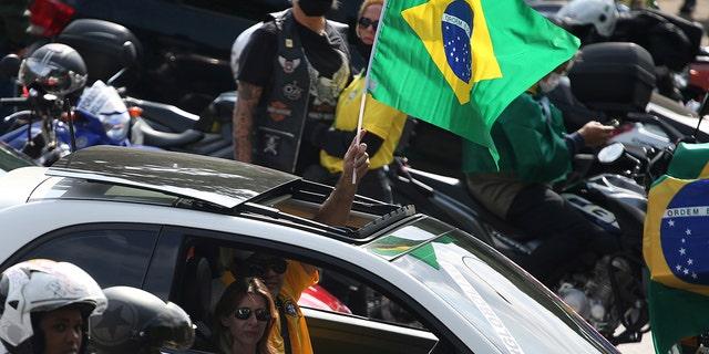 Bolsonaro joins the demonstration against the isolationskrav