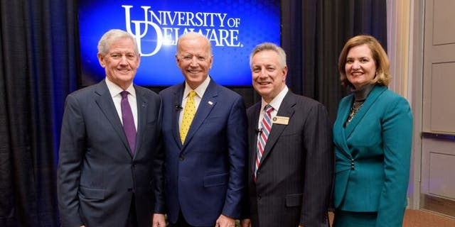 John Cochran, chairman of the Board of Trustees, on the left in a 2018 photo. (Kathy F. Atkinson / University of Delaware)